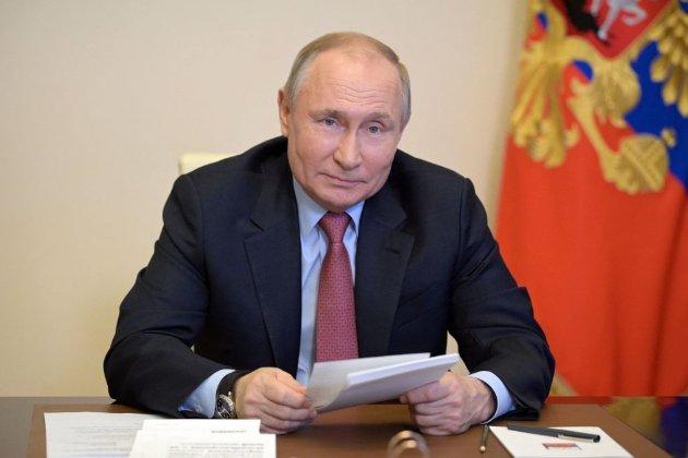 Путін оголосив про завершення укладання труб на першій нитці «Північного потоку-2»
