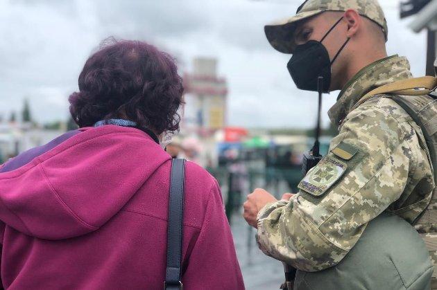 Українці з ОРДЛО можуть вакцинуватися від COVID-19 на підконтрольній території без самоізоляції