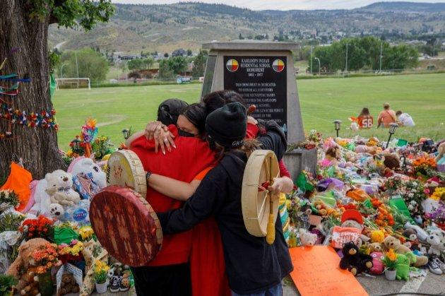 ООН вимагає від Ватикану та Канади розслідування щодо віднайдених решток 215 дітей на території колишньої школи