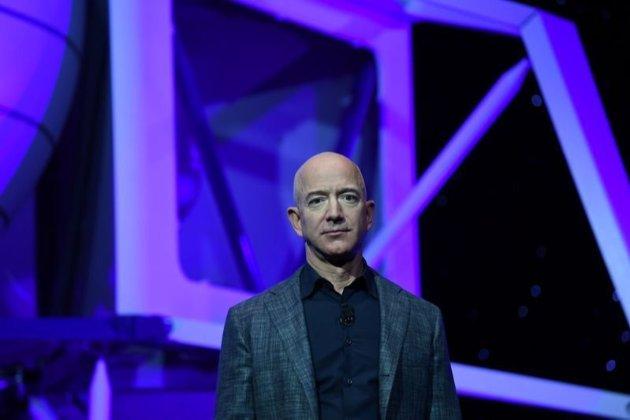 Гендиректор Amazon Джефф Безос полетить у космос на власній ракеті
