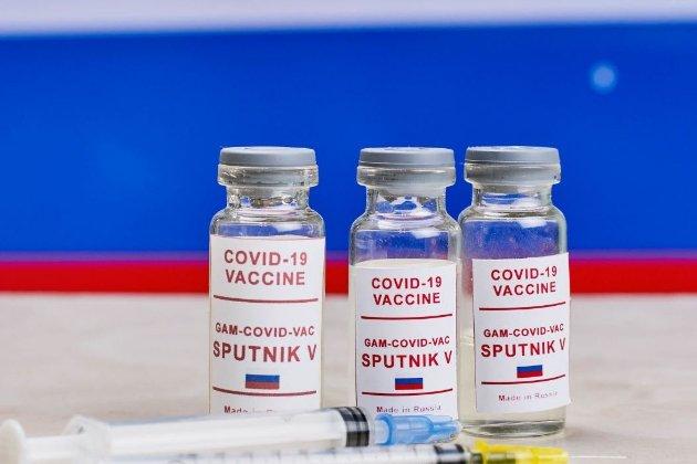 Словаччина може почати впускати до себе іноземців, щеплених російською вакциною