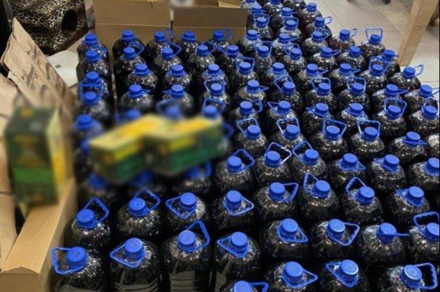 В Інституті хімії НАН України виготовляли алкоголь «відомих брендів»