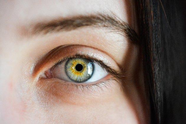 Вчені знайшли зв'язок між розміром зіниць та рівнем інтелекту у людей