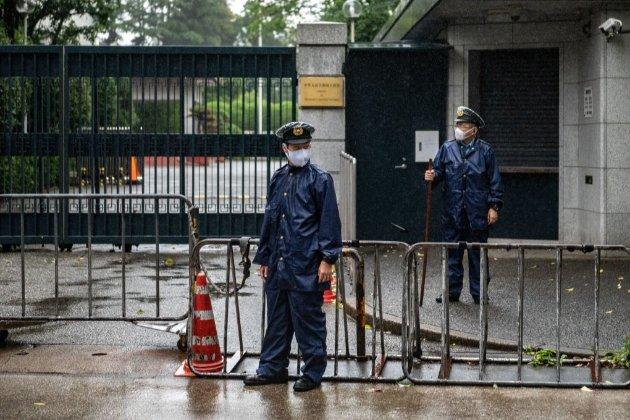У Китаї студенти коледжу 30 годин тримали директора в заручниках