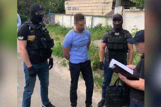 ДБР затримало чиновника, який вимагав у власника маршруток гроші за «нестворювання перешкод»