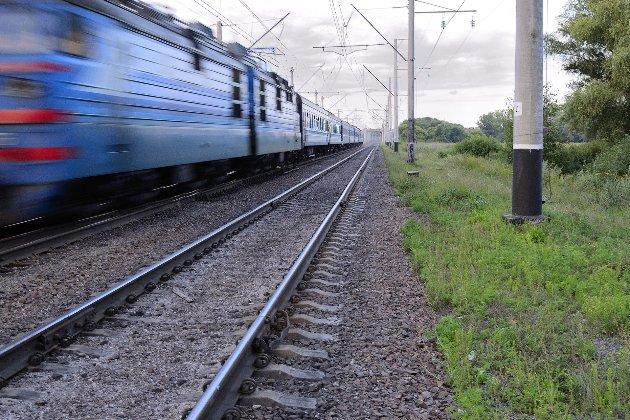 Пасажир помер у поїзді після падіння з верхньої полиці