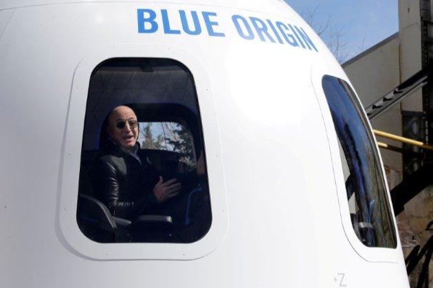 Компанія Джеффа Безоса продала квиток у космос на аукціоні за $28 млн