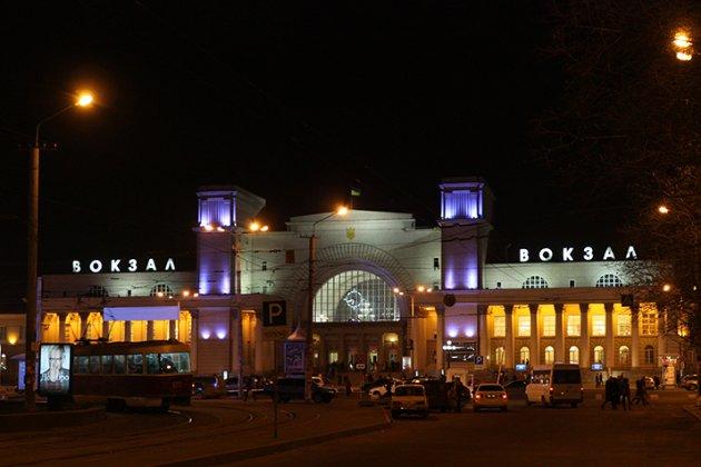 Зеленський запропонував відкривати на вокзалах кінотеатри, щоб боротися з фінансовою кризою в «Укрзалізниці»