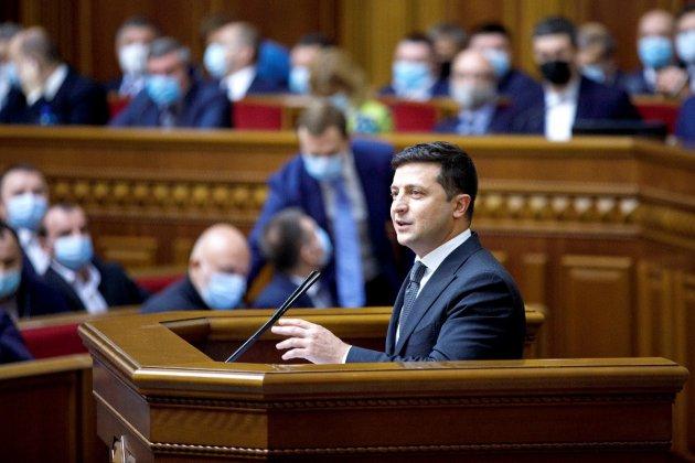 Зеленський ветував закон, що послаблює відповідальність за брехню в деклараціях