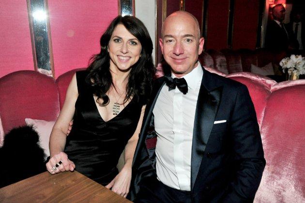 Колишня дружина Джеффа Безоса пожертвувала $2,7 млрд на благодійність