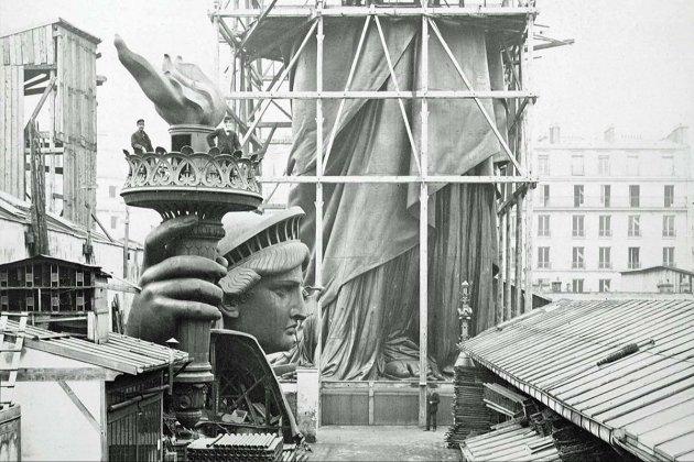 Фотоісторія. В цей день до Америки прибув корабель із Франції зі Статуєю Свободи