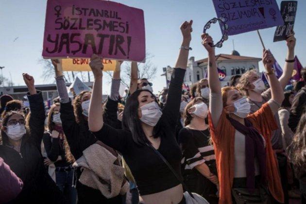 У Туреччині відбулися протести жінок у зв'язку з виходом зі Стамбульської конвенції