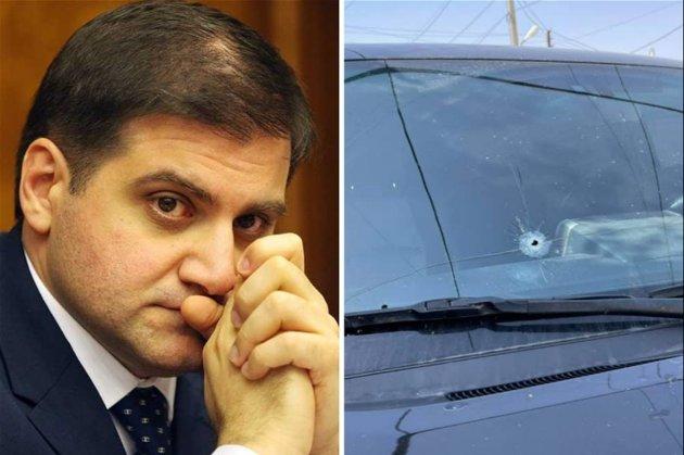У Вірменії проходять дострокові вибори до парламенту. В Єревані обстріляли авто голови однієї з партій