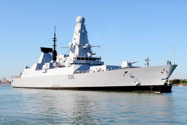Російські військові заявили, що відкрили вогонь по британському есмінцю в Чорному морі. Британія заперечила (оновлено)