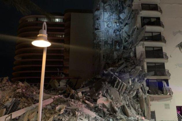 Біля Маямі обвалилася багатоповерхівка, на місці працюють рятувальники (оновлено)