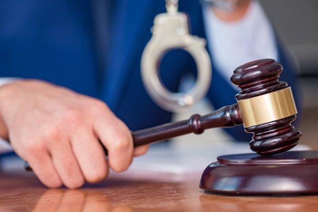 Мешканець Запоріжжя погрожував побити суддю просто у коридорі суду
