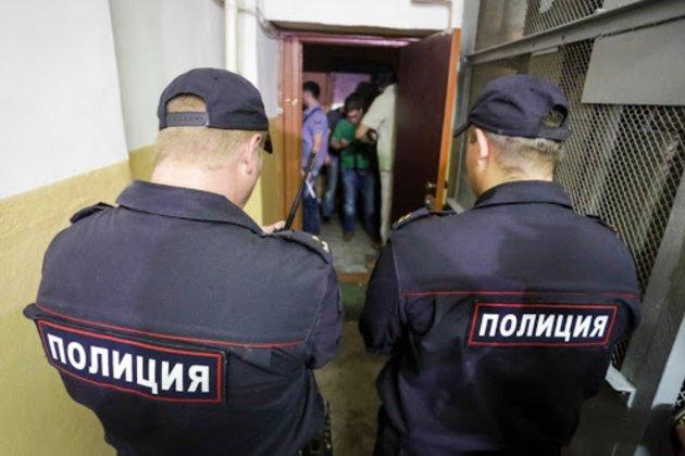 У Росії проходять обшуки у трьох журналістів видання «Проєкт», відомого розслідуваннями про Путіна