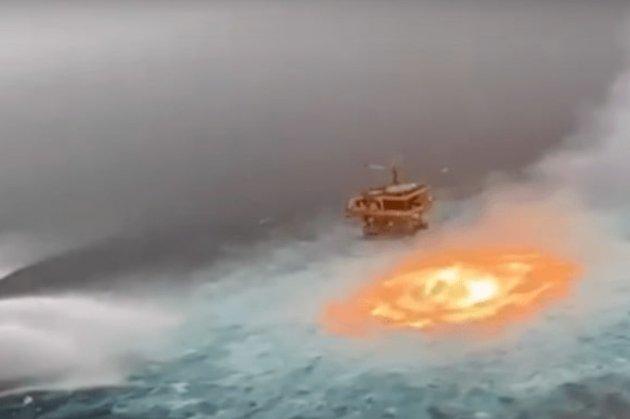 У Мексиканській затоці через витік газу «горів» океан (відео)