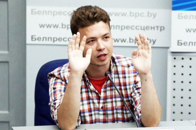 Роман Протасевич вийшов у соцмережі. Блогер все ще перебуває під домашнім арештом