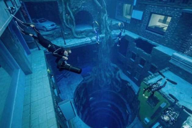 В Арабських Еміратах відкрили найглибший у світі басейн для дайвінгу. У ньому є «підводне місто» та кіностудія
