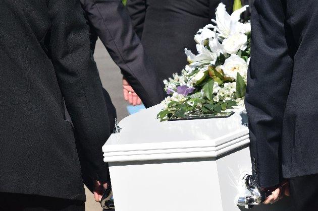 «Встановили додаткові контейнери». У крематорії Петербурга заперечили перевантаження через COVID-19