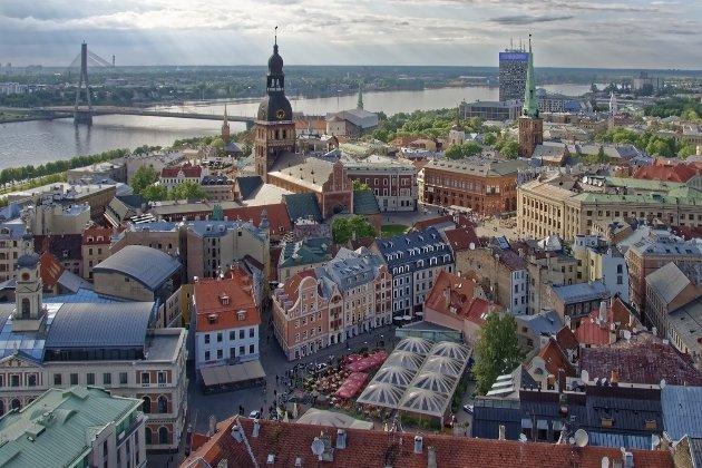 Латвія та Естонія відкрилися для нещеплених туристів з України