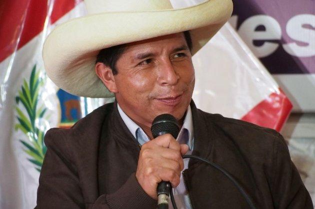 Колишній сільський вчитель стане президентом Перу