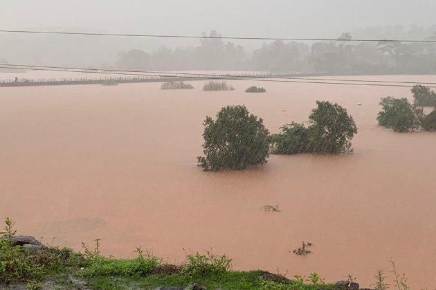 После ливней в Индии начались разрушительные наводнения. По меньшей мере 110 человек погибли