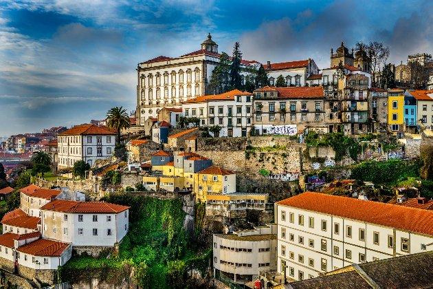 Португалия откроет свои границы для всех типов путешествий украинцев