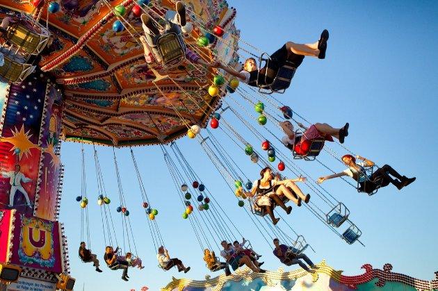 В Северной Ирландии в парке развлечений вышел из строя аттракцион. Пострадали дети