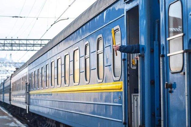 В пассажирском поезде «Киев — Херсон» горел задний отсек тепловоза