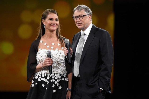 Билл и Мелинда Гейтс официально развелись. Они прожили в браке 27 лет