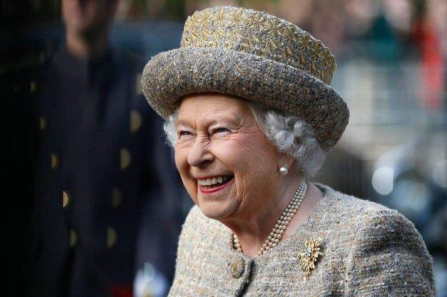 Королева Єлизавета пожартувала з туристів, які не впізнали її на вулиці