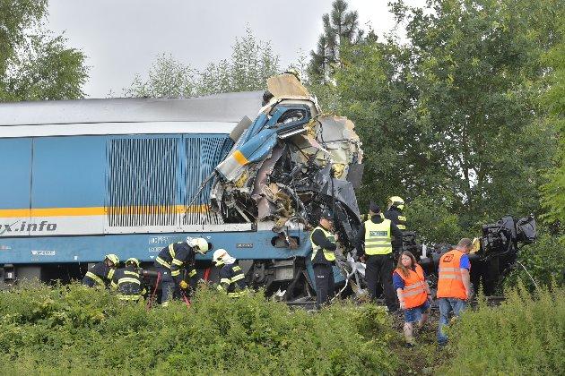 У Чехії зіштовхнулися два потяги. Троє людей загинуло, 50 отримали поранення