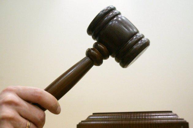 Херсонець заплатить 5 тис. грн моральної компенсації сусідці за показ оголених сідниць під час сварки