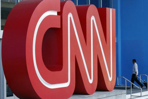 Американський телеканал CNN звільнив трьох співробітників через відвідування офісу без щеплення
