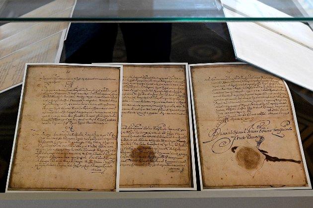 У Київ зі Швеції привезли оригінал першої Конституції Пилипа Орлика 1710 року