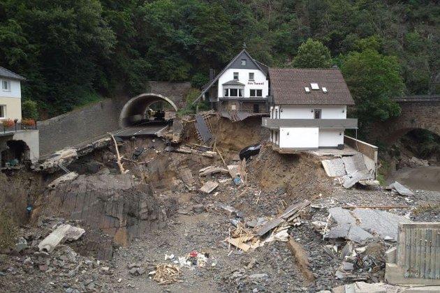 Убытки от разрушительных наводнений в Германии оценили в десятки миллиардов евро