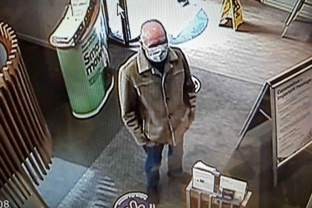 У Британії чоловік не зміг пограбувати банк через поганий почерк