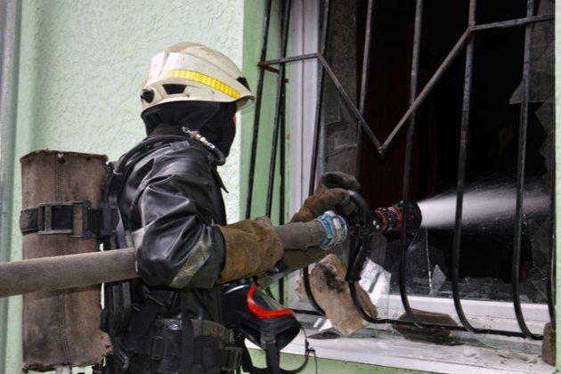 У центрі Дніпра пролунав вибух у житловому будинку. Є жертви