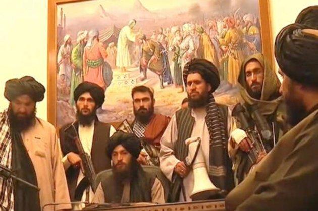 Таліби увійшли до Кабулу і зайняли президентський палац