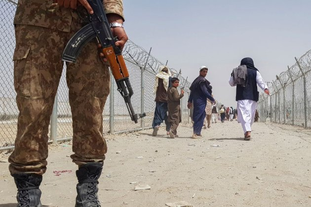 Президент Афганістану склав повноваження та офіційно передасть владу «Талібану» — ЗМІ