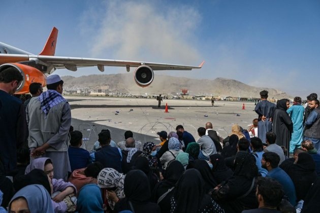 Україна евакуювала зі столиці Афганістану Кабулу 80 людей