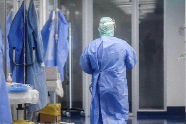 Перший випадок у країні. У Греції від коронавірусу помер медик, який отримав дві дози вакцини