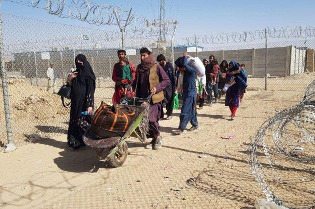 Великобритания примет 20 тыс. афганских беженцев. Предпочтение будут отдавать женщинам и меньшинствам