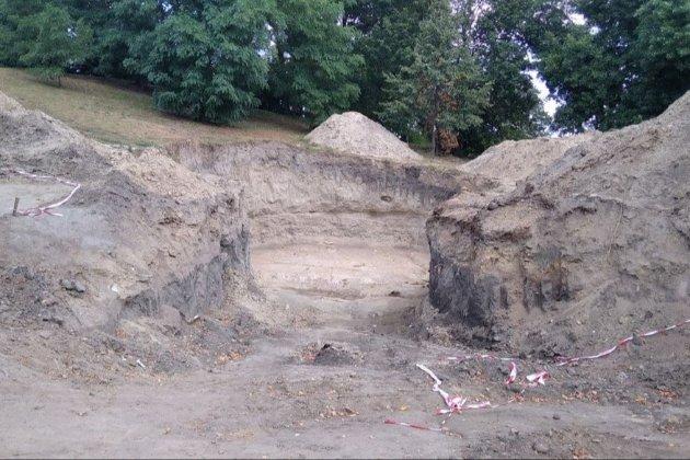 У Коростені будівельники знайшли рештки, які, ймовірно, належали мамонту