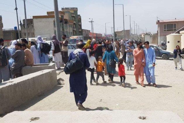 Щонайменше семеро афганців загинули в тисняві в аеропорту Кабула — Великобританія