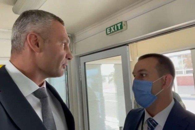 Виталий Кличко заявил, что его не пустили встречать Ангелу Меркель. В ОП отрицают