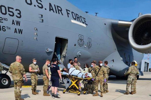 В американском самолете во время эвакуации афганцев из Кабула родился ребенок