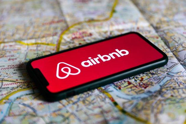 Популярний сервіс оренди житла Airbnb надасть безплатні домівки для 20 тис. афганських біженців